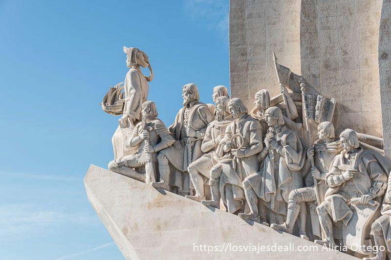 monumento a los descubridores de Belem en piedra blanca