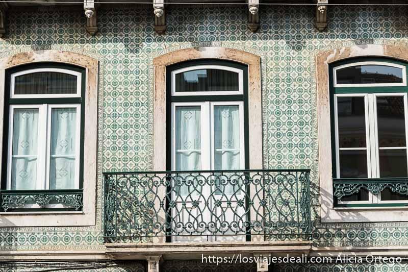 fachada con azulejos en Lisboa