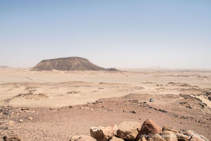 paisaje desértico junto a la tercera catarata del Nilo