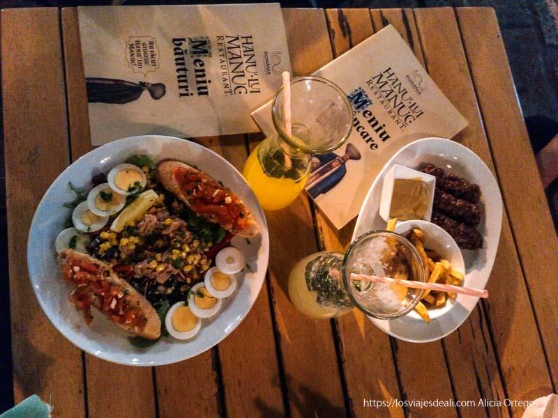 cena en restaurante Hanu Lui Manuc de Bucarest