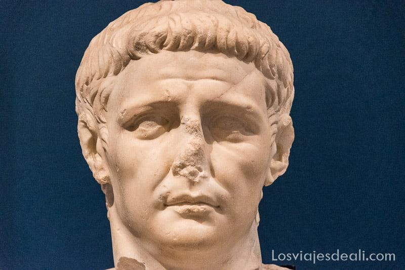 cabeza de patricio romano en visita a Mdina y Rabat