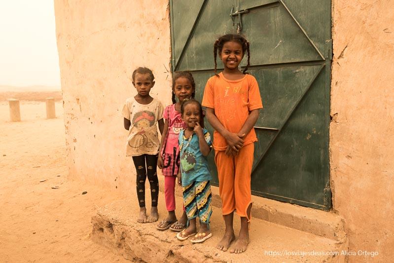 niñas de el kurru cerca de Karima