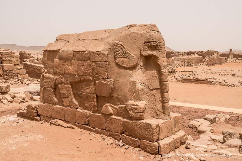 estatua de elefante en es suffra sudán