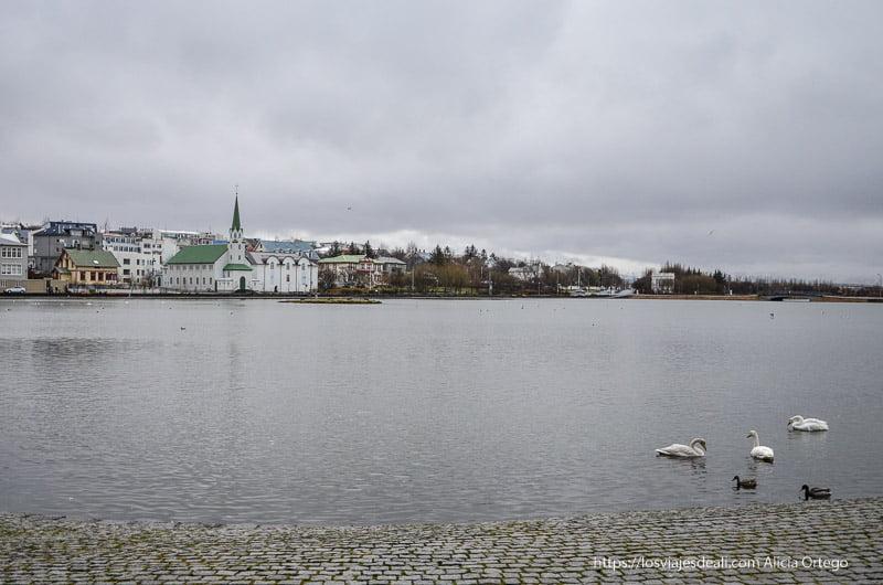 lago de Reykjavik