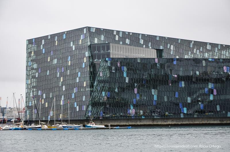 edificio harpa de Reykjavik desde el exterior