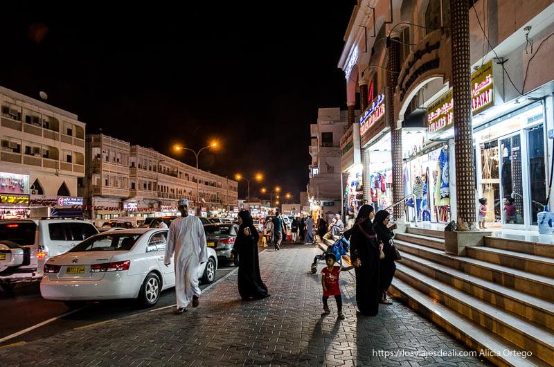 calles de muscat de noche