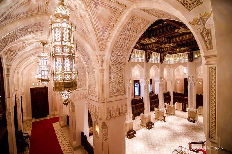 interior de la ópera de Muscat en Omán