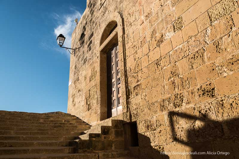 escaleras de la muralla de la ciudadela de Gozo
