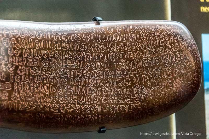 tablilla de escritura de isla de pascua Viña del mar y valparaíso