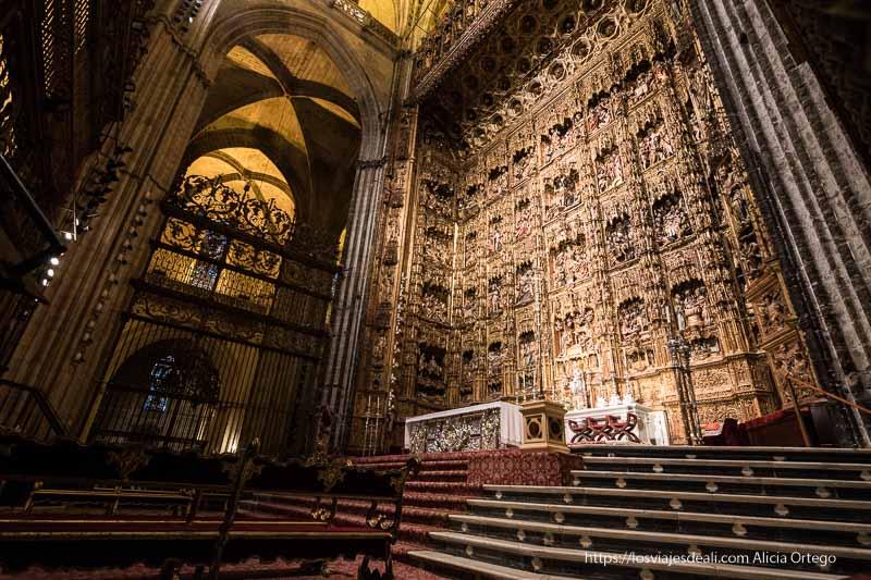 altar barroco de la catedral