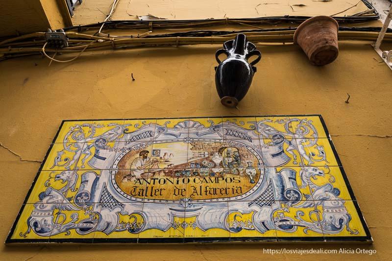 cartel de alfarería en triana planes en sevilla