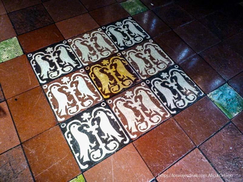 suelo de cerámica con dibujos Christ church cathedral de dublin