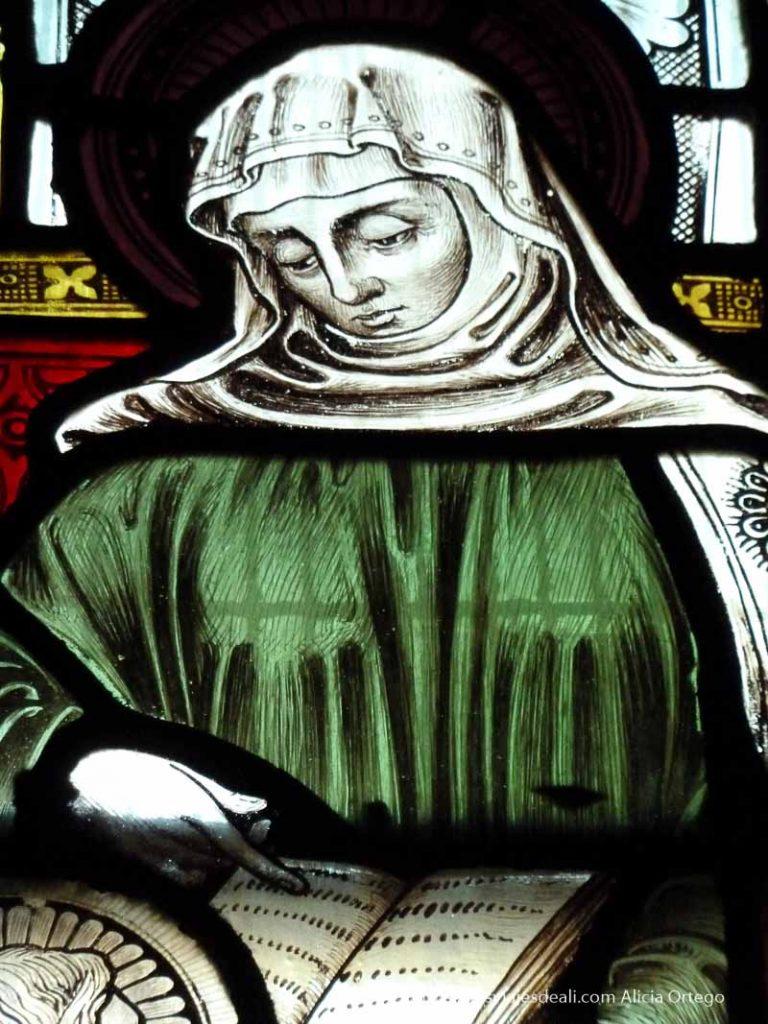 mujer leyendo en vidriera de Christ church cathedral de dublin