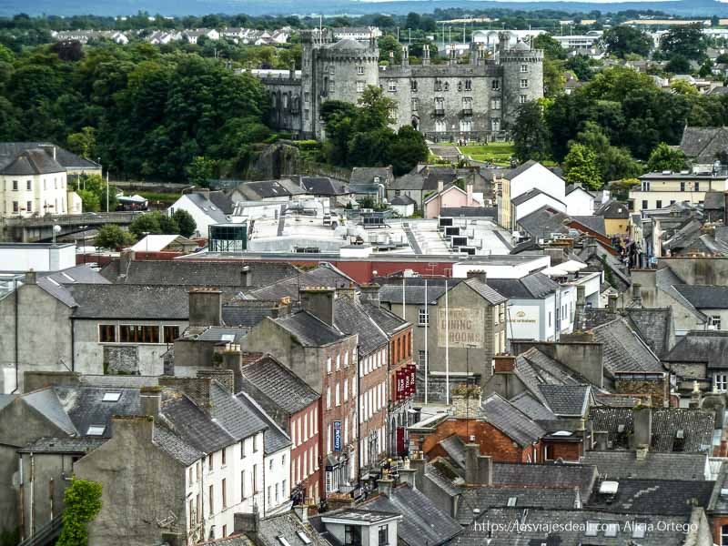 vistas de kilkenny con castillo
