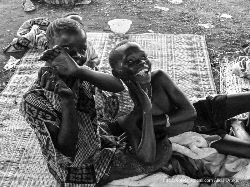 niños riendo en mopti