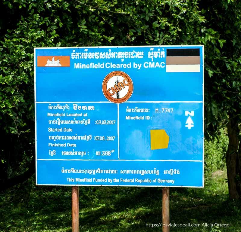 cartel de campo de minas limpiado por cooperación alemana en beng mealea