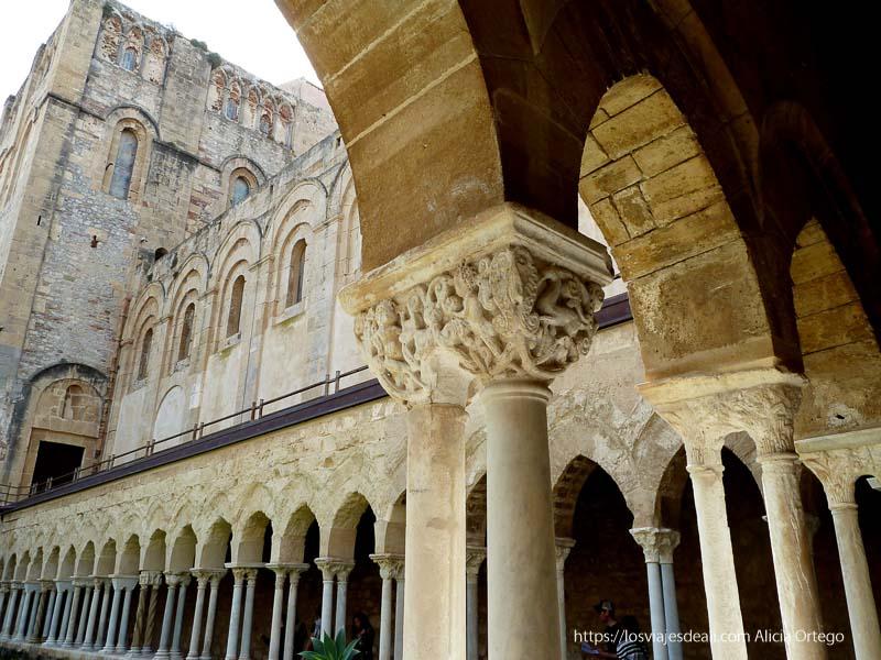 claustro de la catedral de cefalú