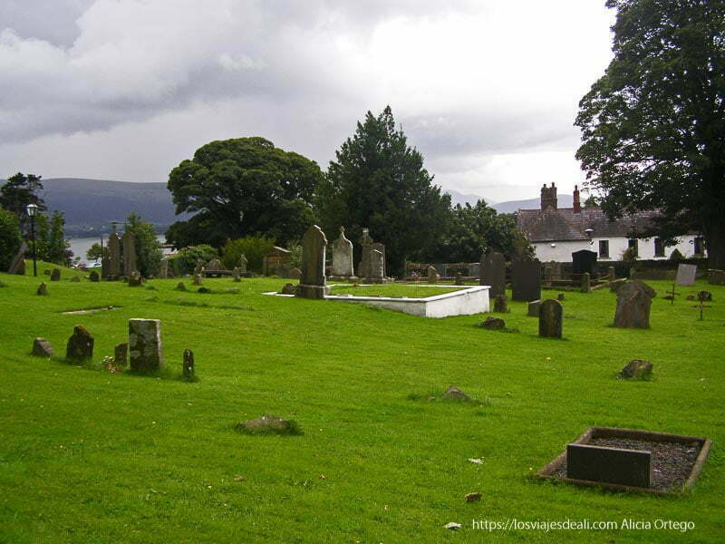 cementerio de carlingford costa este de irlanda