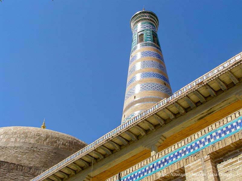 torre de azulejos en khiva