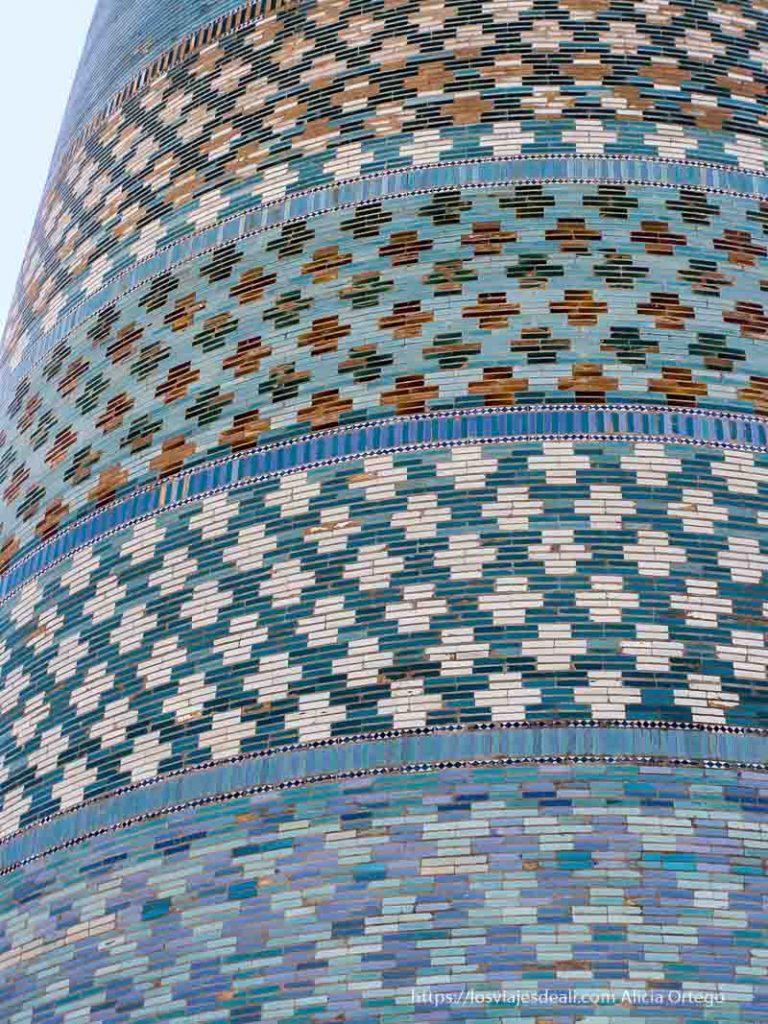 detalle de azulejos en khiva