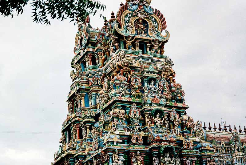 templo de madurai pintado de colores tamil nadu