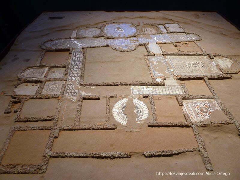 maqueta de la casa romana del parque arqueológico de carranque