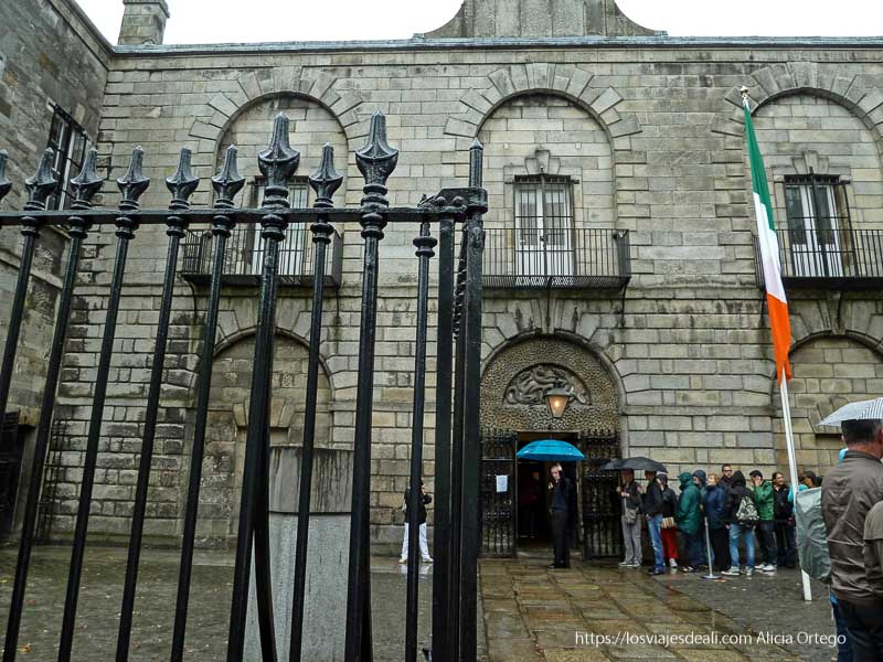 puerta de la prisión de kilmainham