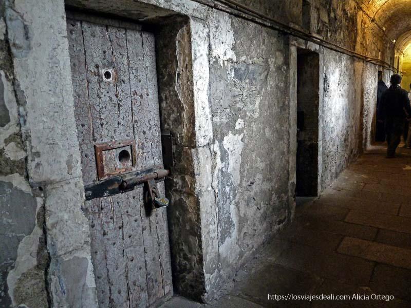 pasillo con celdas prisión de kilmainham