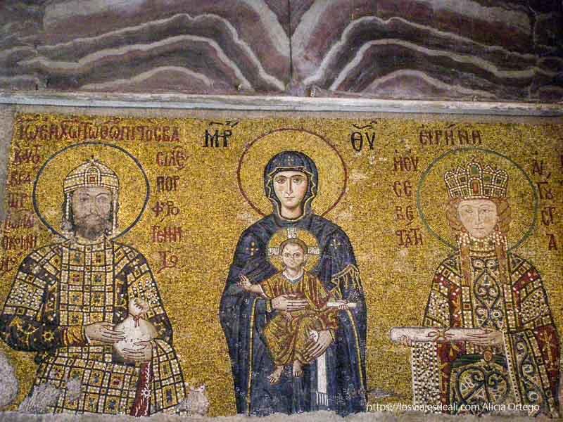 mosaico bizantino con la virgen el niño y los reyes en santa sofía qué ver en un día en estambul
