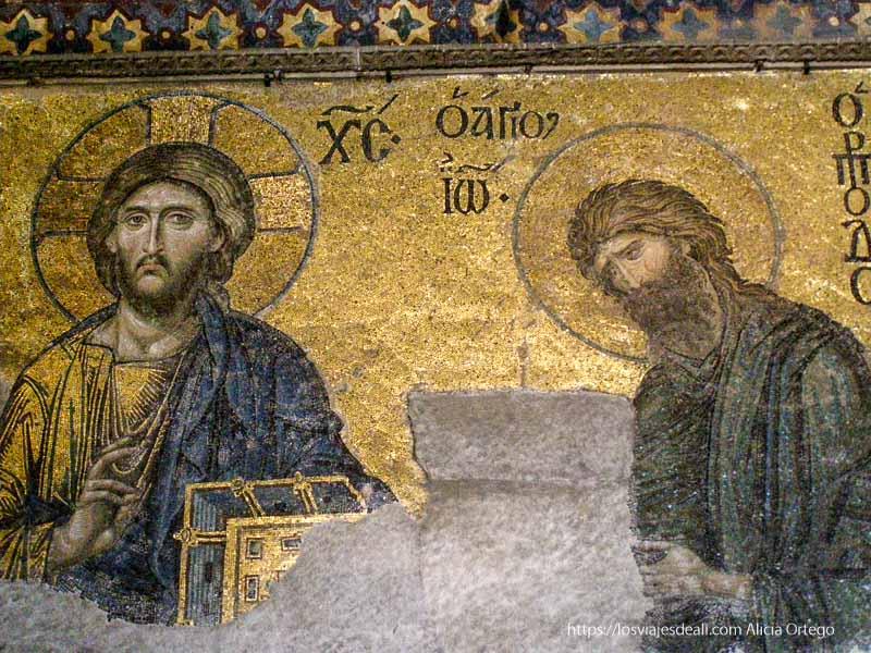 mosaico bizantino con santos qué ver en un día en estambul