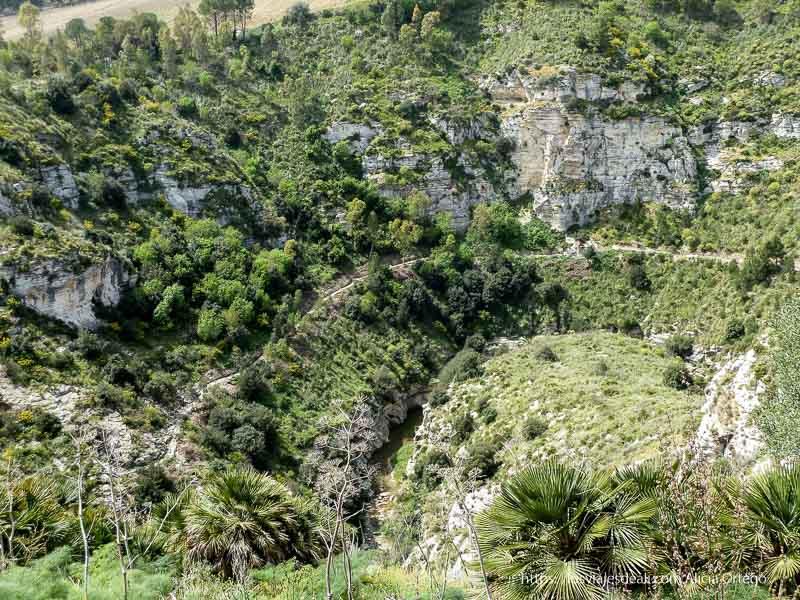 cañón del río que va junto al yacimiento de segesta