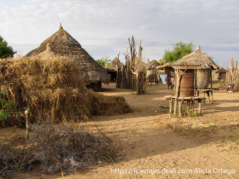poblado de la tribu karo