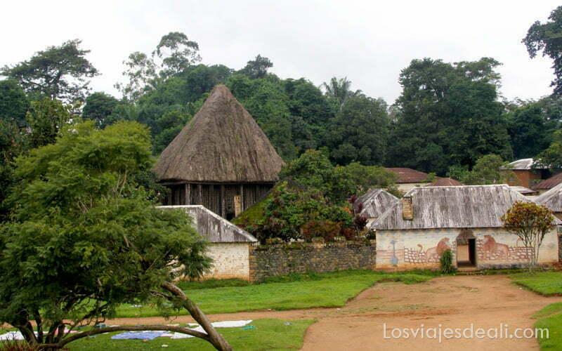 entrada al palacio del reino de bafut