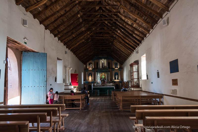 interior iglesia de San Pedro atacama