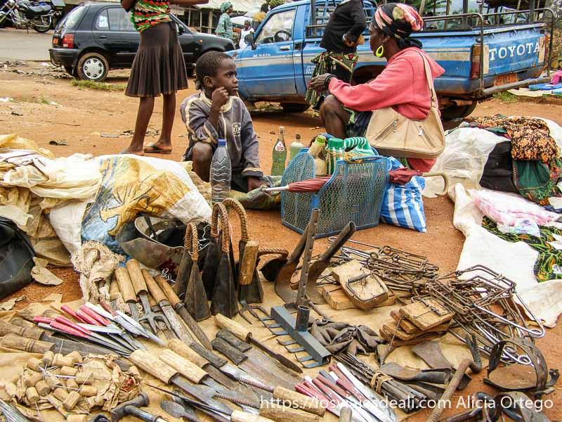venta de trampas para ratones y cuchillos en camerún montes bamileké