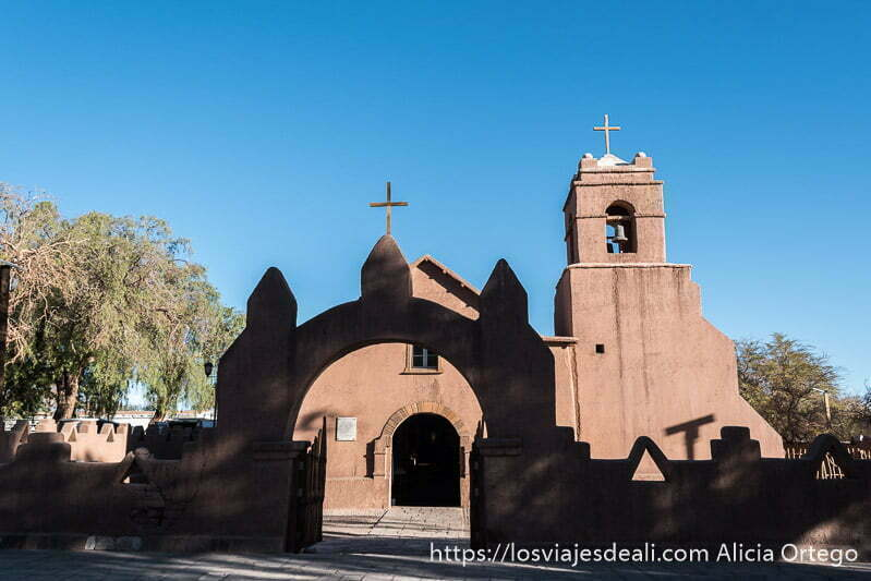 iglesia de adobe de San Pedro atacama