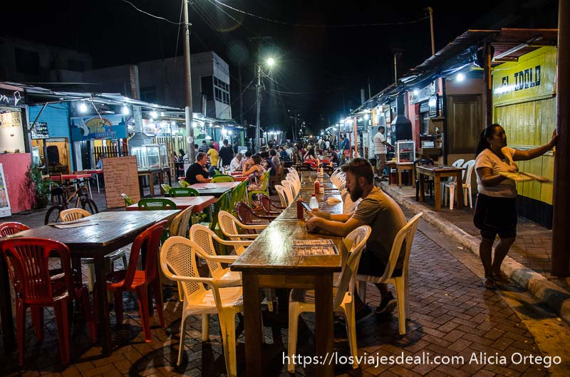chirinquitos para cenar en isla santa cruz vivir en islas galápagos