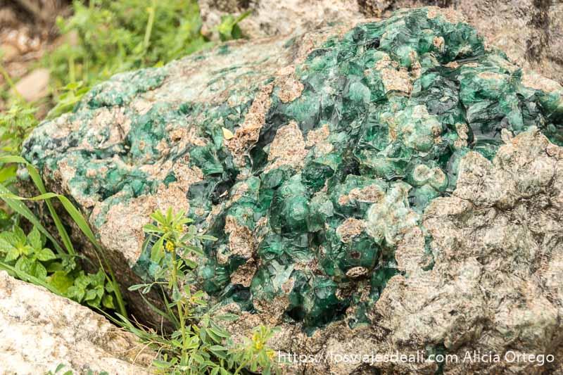 escoria de cristal de color verde en líbano
