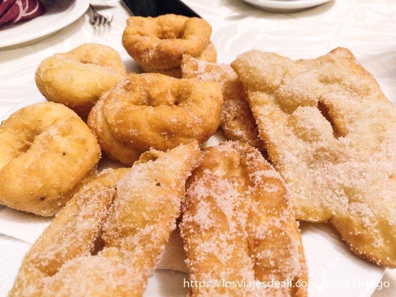 rosquillas y pestiños para desayunar en la escapada a cáceres