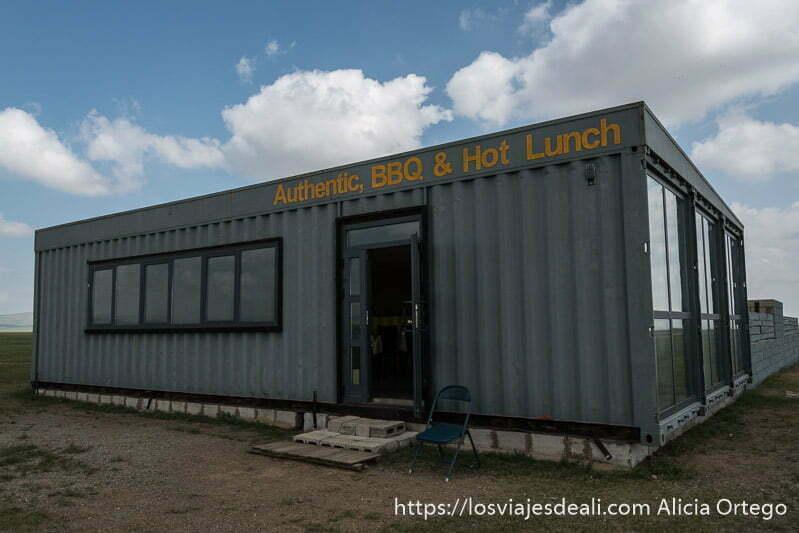 contenedor de mercancías convertido en restaurante